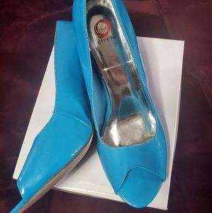 Blue peep toe pump